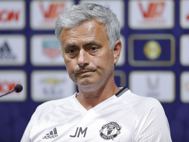 Manchester United Pre-game Training & Press Conference