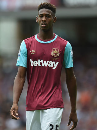 Reece Oxford in West Ham action