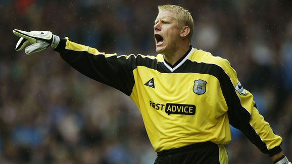 Manchester United Legend Peter Schmeichel Reveals Becoming a Manager Has  'Always Been on My Mind'   90min