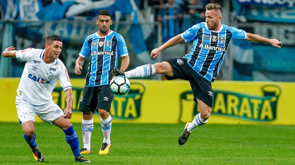 Gremio v Cruzeiro as part of Copa do Brasil Semi-Finals 2017