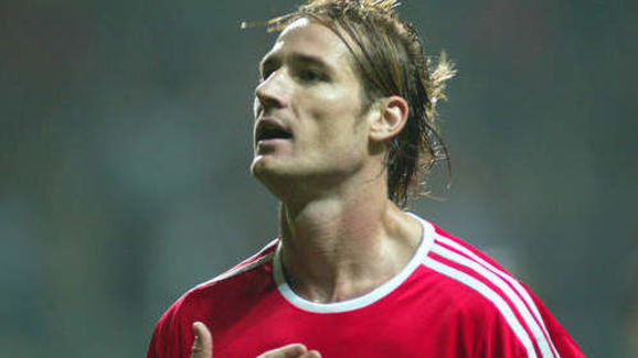 13 Footballers Who Died Far Too Young | floor8