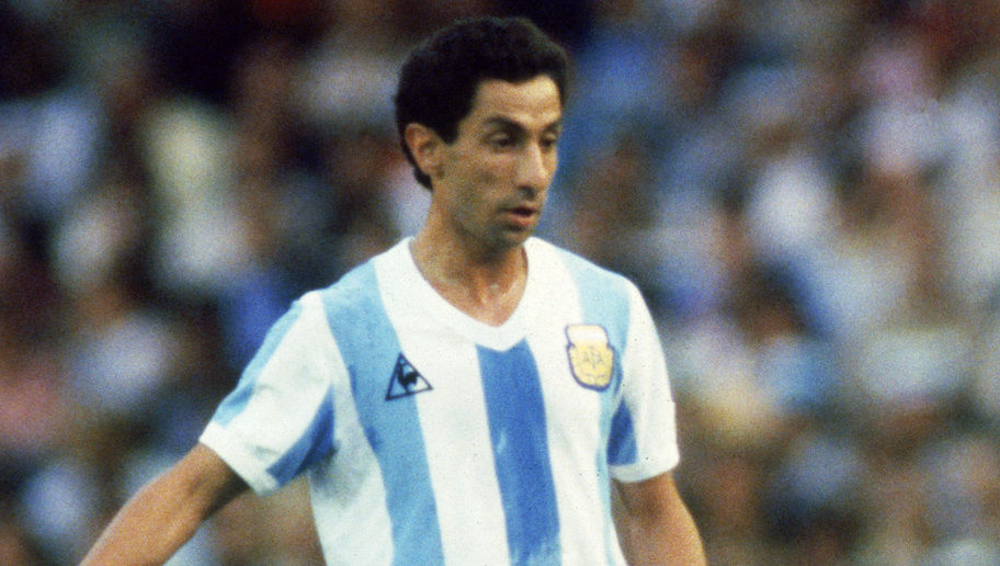 BARCELONA - JUNE 13:  Ossie Ardiles of Argentina runs with the ball during the FIFA World Cup Finals 1982 Group C match between Argentina and Belgium held on June 13, 1982 at the Nou Camp, in Barcelona, Spain. Belgium won the match 1-0. (Photo by Steve Powell/Getty Images)