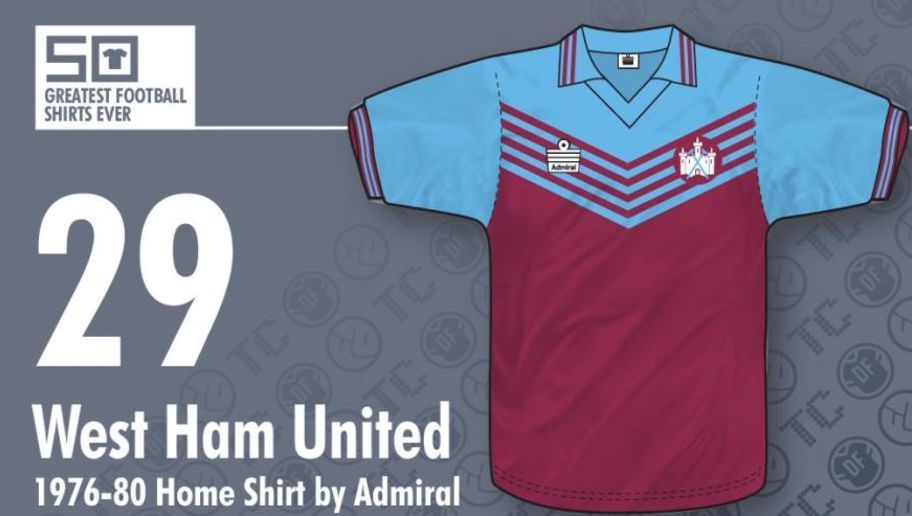 25a20d69569f3 West Ham vistió esta camiseta desde 1976 hasta 1980. La casaca los acompaño  en momentos muy importantes para el equipo. A pesar de estar en la segunda  ...