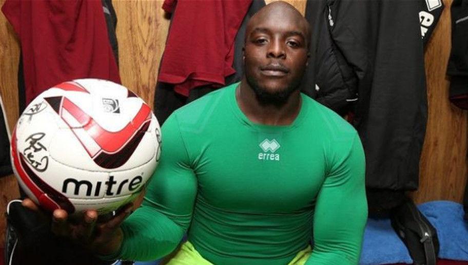 Le Persone Piu Muscolose Del Mondo.I 10 Calciatori Piu Forti Fisicamente Akinfenwa Ibrahimovic Yaya