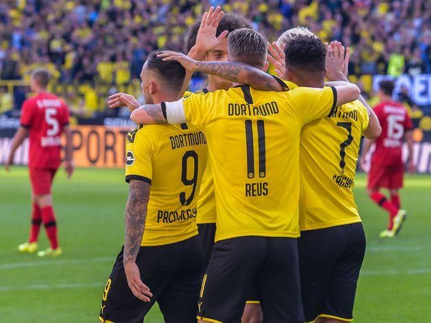 """1. Bundesliga""""Borussia Dortmund v Bayer 04 Leverkusen"""""""
