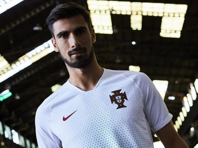 2018 Nike Portugal Away Kit