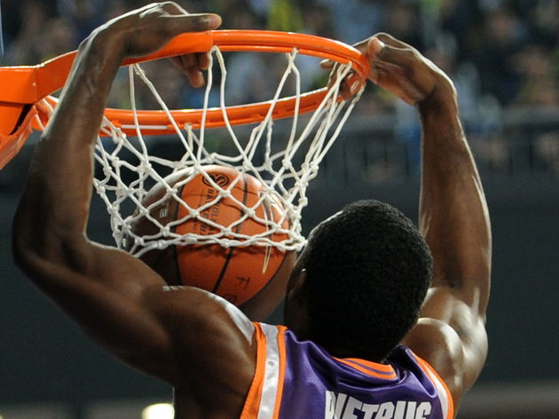 Valencia's Florent Pietrus scores during