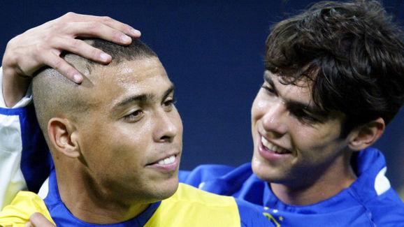 Ronaldo Nazario y Kaká durante la Copa del Mundo de 2002