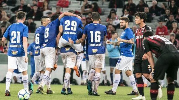Cruzeiro eliminou o Furacão na Copa do Brasil