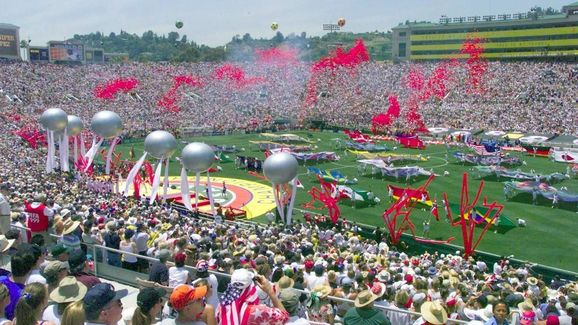 A crowd of over 90,000 watches the closing ceremon
