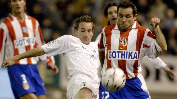 Albacete's Ivan Diaz (L) vies with Atlet
