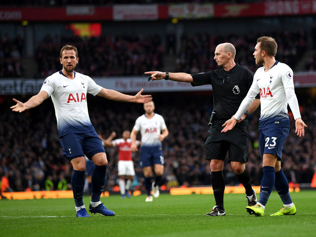 Mike Dean,Harry Kane,Christian Eriksen