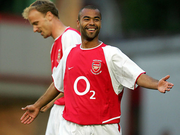 Arsenal's Ashley Cole and Dennis Bergkam