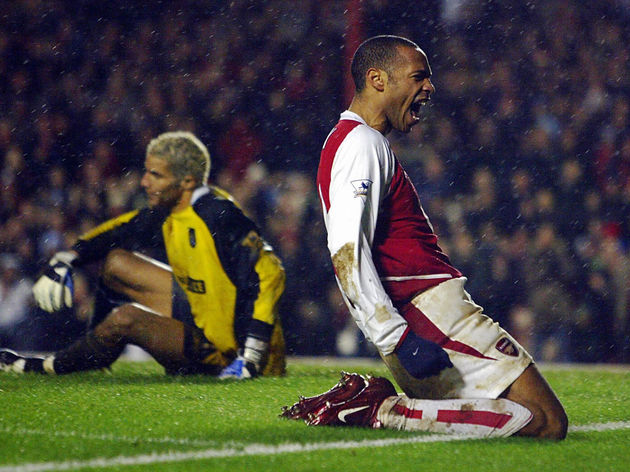 Arsenal's Thierry Henry (R) celebrates h