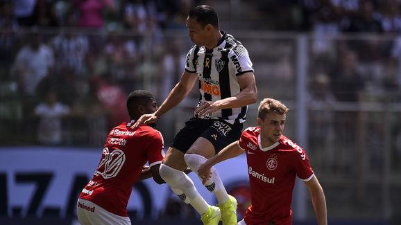 Ricardo Oliveira,Emerson Santos
