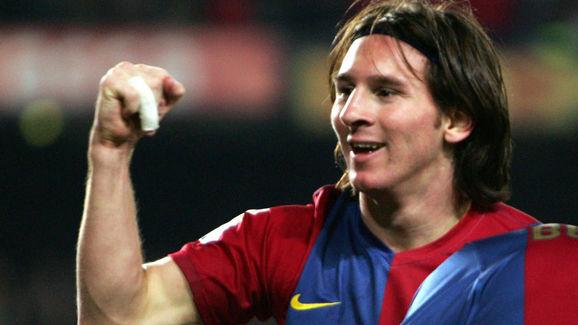 Barcelona's Argentinian Leo Messi celebr...
