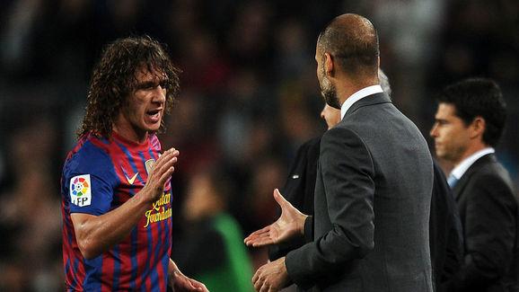 Barcelona's coach Josep Guardiola (R) sh