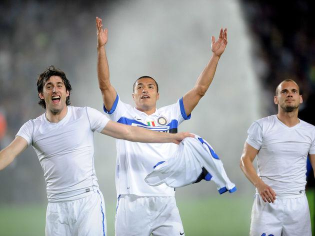 Diego Milito,Ivan Cordoba,Wesley Sneijder