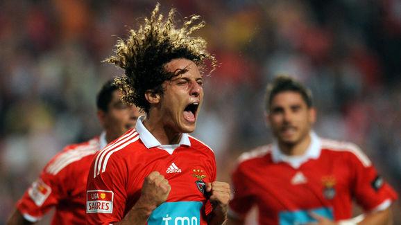 Benfica's David Luiz celebrates after sc