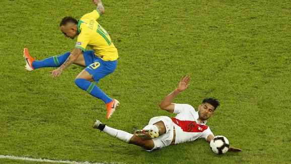 Everton,Carlos Zambrano