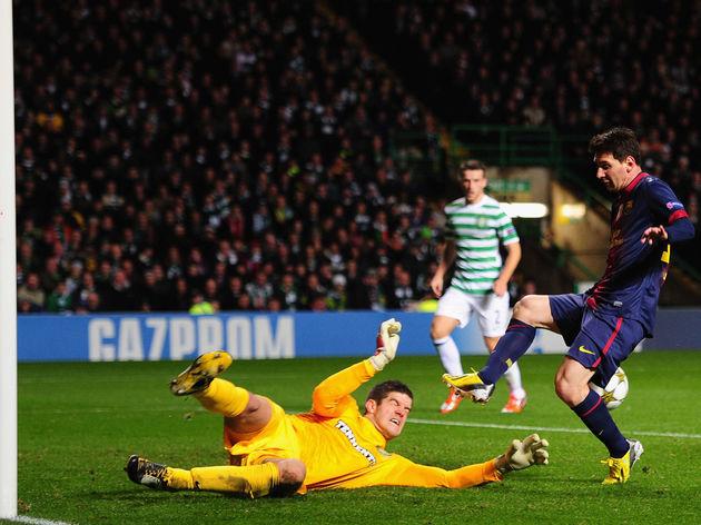 Lionel Messi,Fraser Forster