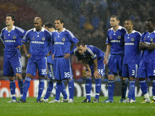 Chelsea's English defender John Terry (C