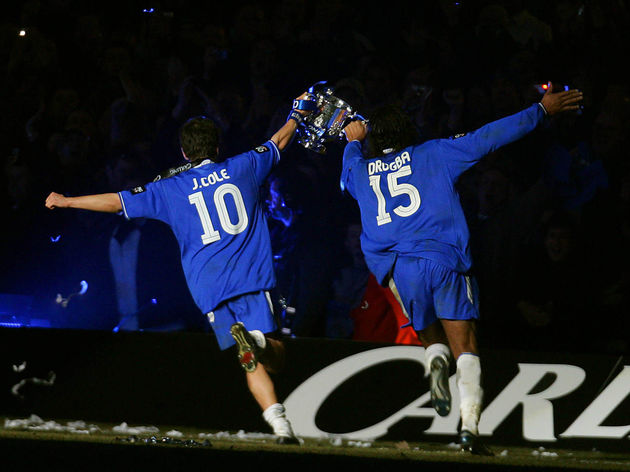 Chelsea's Joe Cole (L) and Didier Drogba