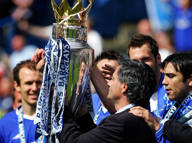 Chelsea's Manager Jose Mourinho (C) hold