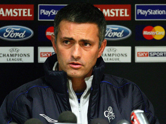 Chelsea's manager Jose Mourinho gives a