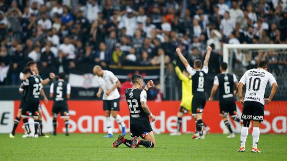 Corinthians v Colo-Colo - Copa CONMEBOL Libertadores 2018