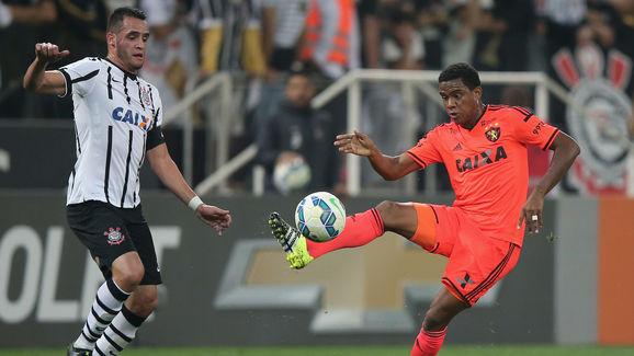 Renato Augusto,Rithely