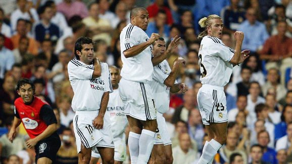 David Beckham, Luis Figo, Ronaldo and Zinedine Zidane of Real Madrid in the wall