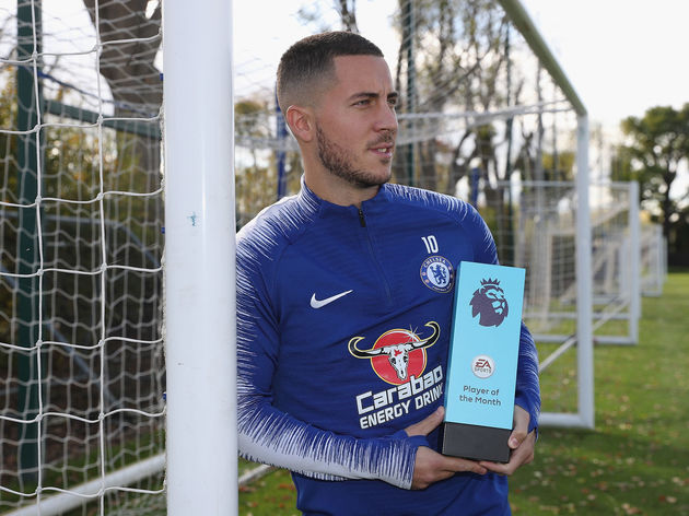 Eden Hazard Wins the EA Sports Player of the Month Award - September 2018