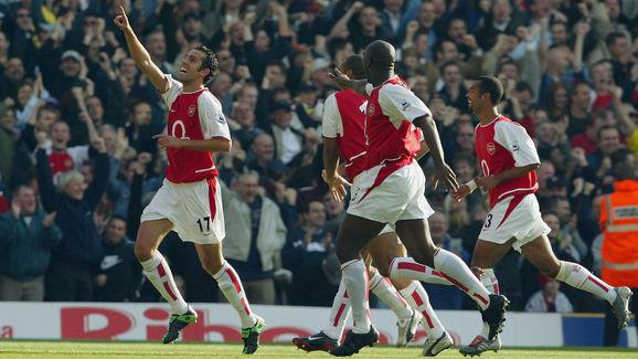 Edu of Arsenal celebrates after scoring