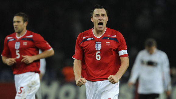 England's Captain John Terry (C) celebra