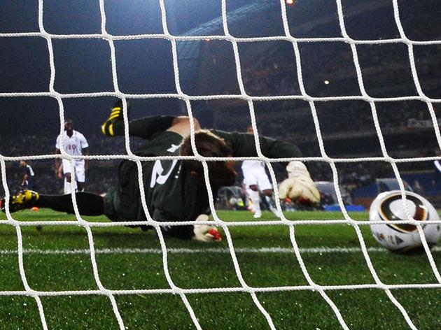 England's goalkeeper Robert Green fails