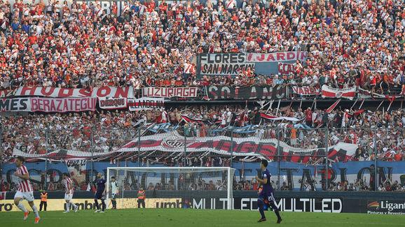 Estudiantes v River Plate - Superliga 2018/19