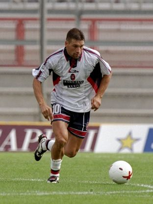Fabian O''Neill of Cagliari