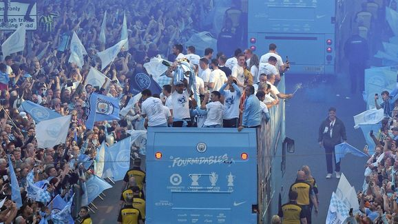 FBL-ENG-PR-MAN CITY-TROPHY-PARADE
