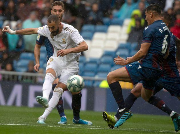 Karim Benzema - Real Madrid 3-2 Levante