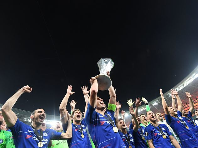 FBL-EUR-C3-CHELSEA-ARSENAL-FINAL-TROPHY