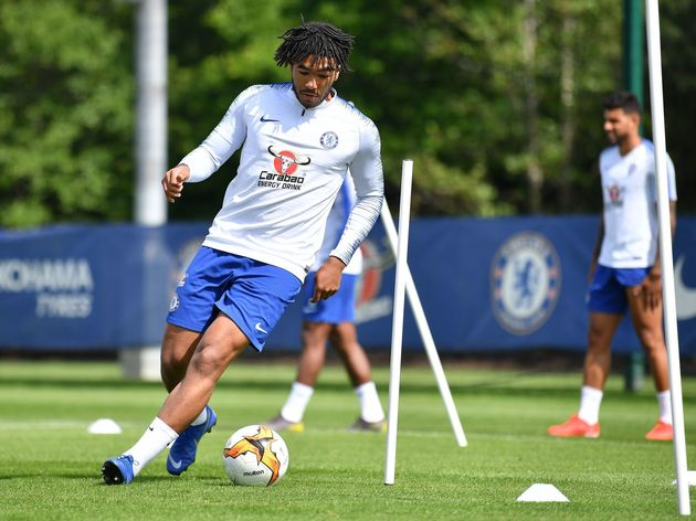FBL-EUR-C3-CHELSEA-TRAINING