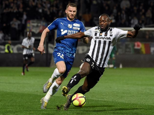 FBL-FRA-LIGUE1-ANGERS-AMIENS