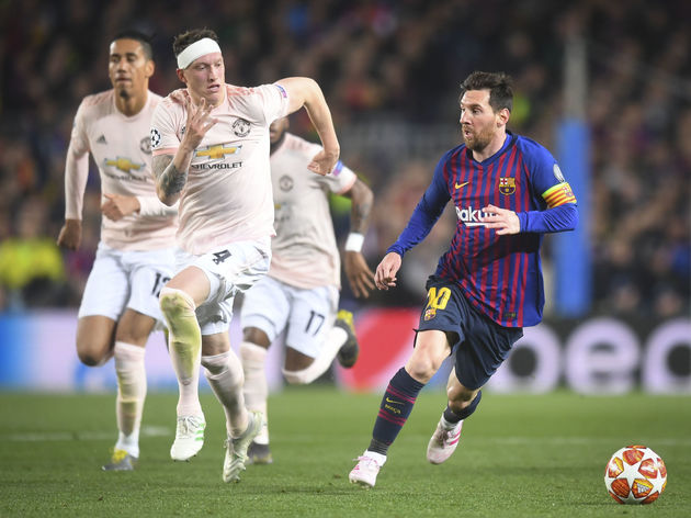 Lionel Messi,Phil Jones,Chris Smalling