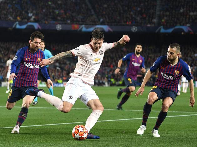 Victor Lindelof,Jordi Alba,Lionel Messi
