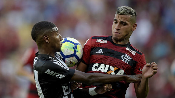 Miguel Trauco,Emerson Leite