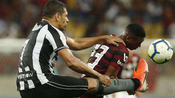 Lucas Silva,Diego Souza