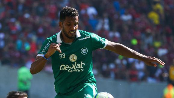 Everton Ribeiro,Yago