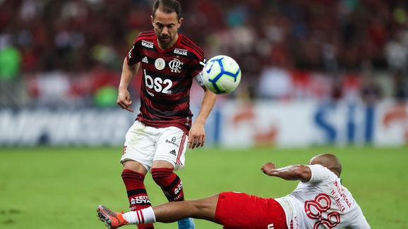 Everton Ribeiro,Patrick