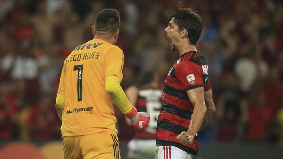 Diego Alves,Rodrigo Caio